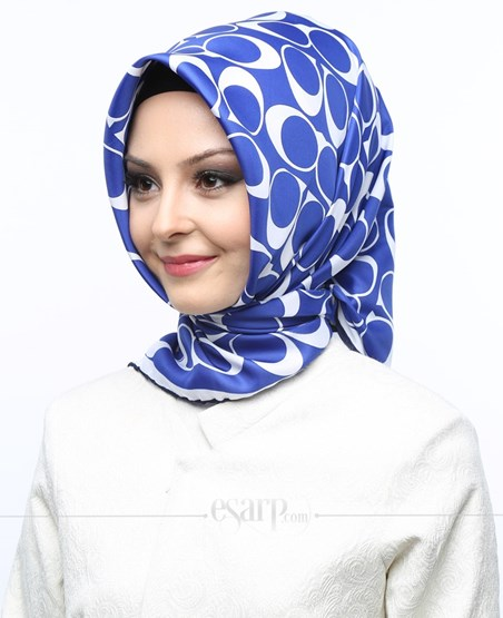 AKEL Mavi Beyaz Renkli Geometrik Desenli Saten Eşarp